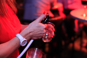 portable drink dispenser suitable for Prosecco